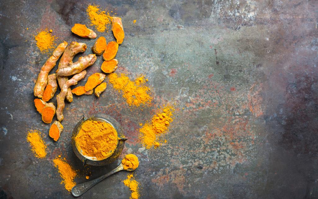 Curcumin © Antonina Vlasova / shutterstock.com