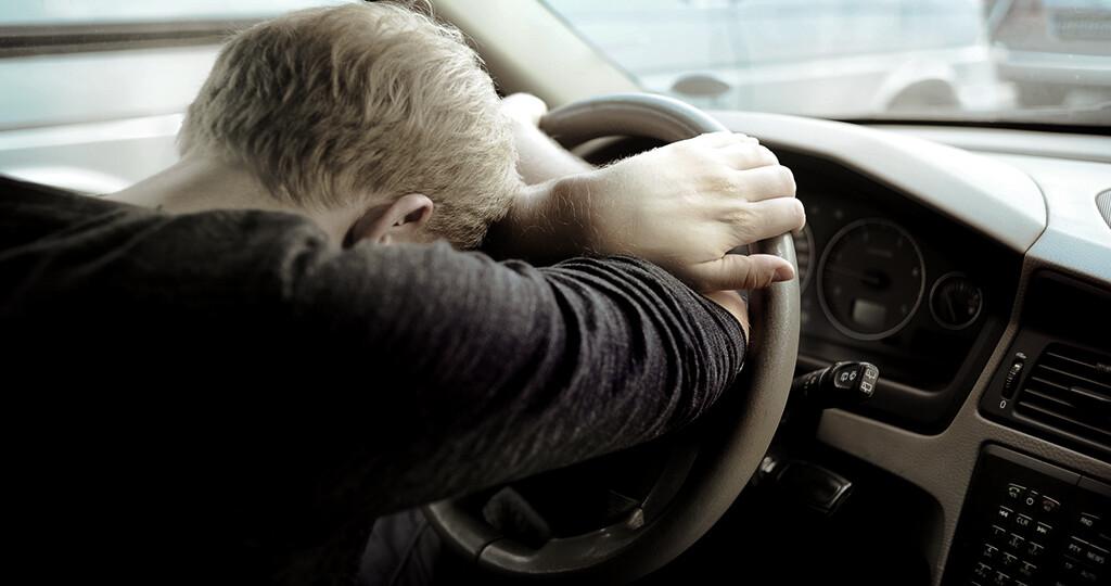 Folgen einer Schlafapnoe erhöht das Risiko für Verkehrsunfälle. © Tomas Urbelionis / shutterstock.com