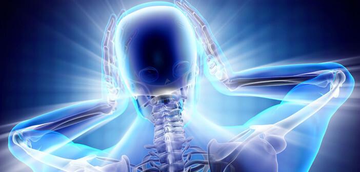 Donnerschlagkopfschmerz Differenzialdiagnose: harmloser sind Hustenkopfschmerz und Kopfschmerzen bei sexueller Aktivität oder körperlicher Anstrengung. © videodoctor / shutterstock.com