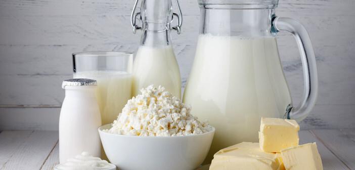 Heute wird auch Laktose arme Milch und fermentierte Milchprodukte mit lebenden Laktobazillen angeboten, die bei Laktoseintoleranz gut vertragen werden. © nevodka / shutterstock.com