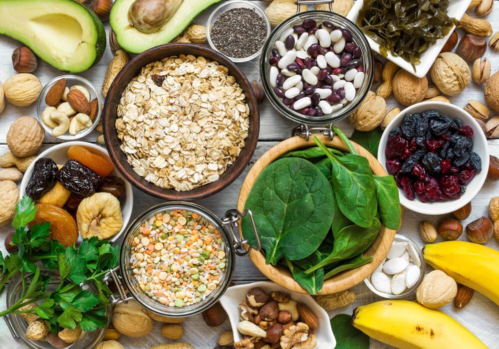 Gesundes Essen: Lebensmittel, die Magnesium und Kalium enthalten. © artem evdokimov / shutterstock.com