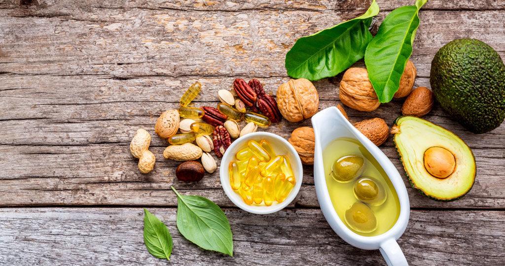 Fette und Kohlenhydrate bei Diäten untersucht. © Kerdkanno / shutterstock.com