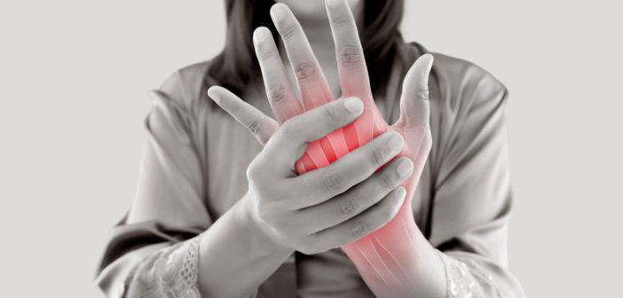 Menschen mit rheumatischen Erkrankungen können trotz ihrer chronischen Erkrankung leistungsfähig sein. © Emily frost / shutterstock.com