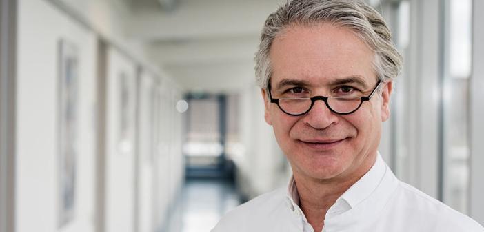 Experte PD Dr. Klaus J. Lipödem ist eine ernstzunehmende Erkrankung: Walgenbach vom Universitätsklinikum Bonn äußert sich zur Behandlung der schmerzhaften Fettverteilungsstörung. © Rolf Müller / UK Bonn
