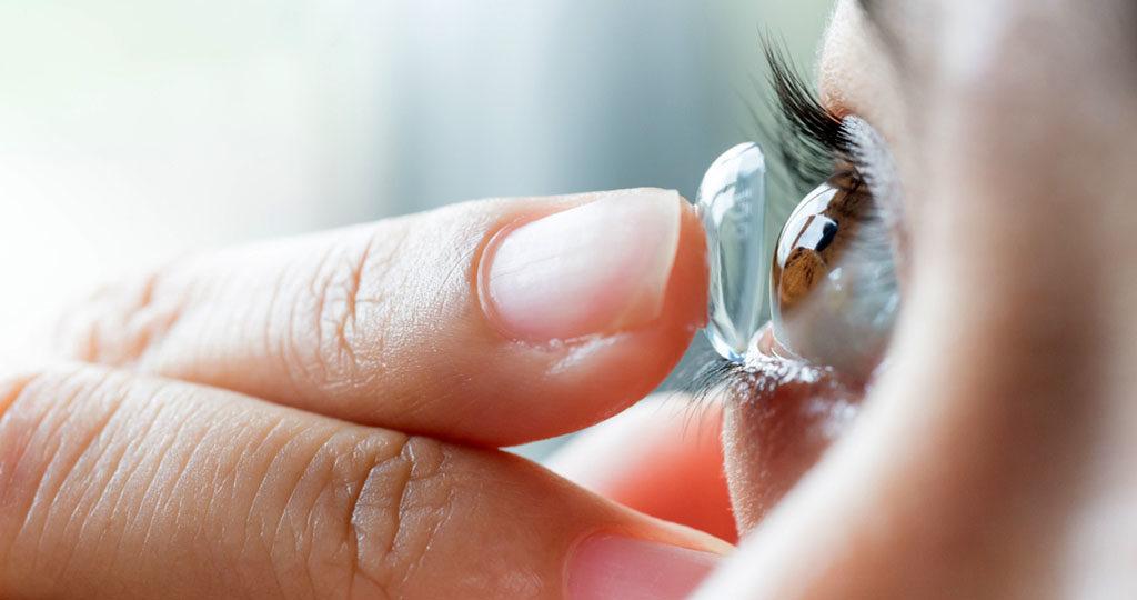 Kontaktlinsen sind sehr beliebt. © life literacy / shutterstock.com