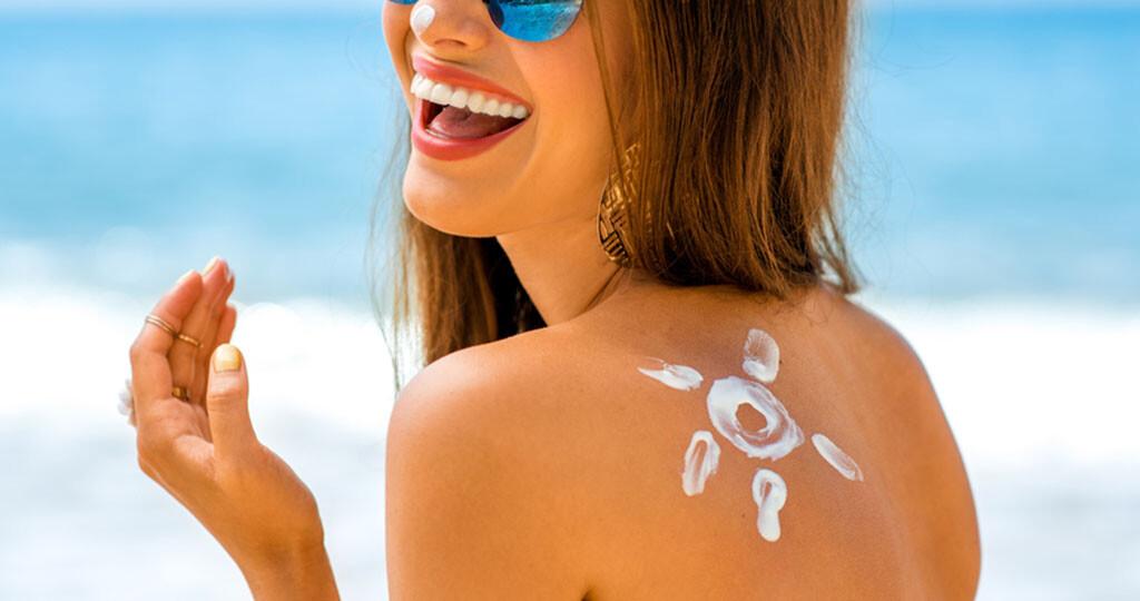 Empfehlenswert: Sonnenschutzmittel mit Stickstoffmonoxid © RossHelen / shutterstock.com