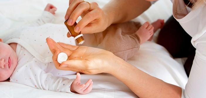 Die homöopathische Reiseapotheke sollte ein Grundausstattung von zehn homöopathischen Arzneien am besten in Potenz C12 enthalten. © epiximages / shutterstock.com