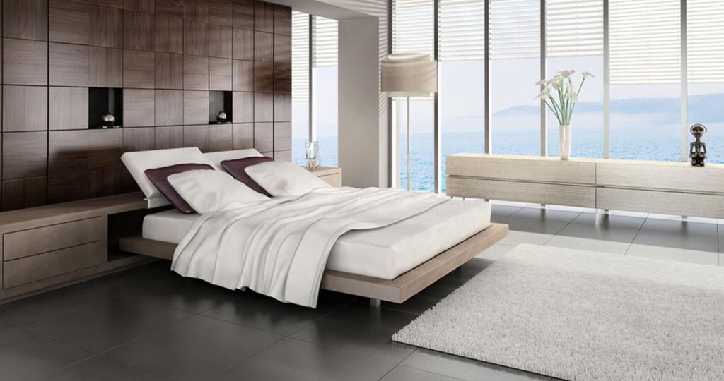 Grundsätzlich ist aber nicht nur die Matratze maßgeblich an einem guten Schlaf beteiligt. Auch Schlafroutine, Dunkelheit und Klima im Schlafzimmer können ausschlaggebend für eine geruhsame oder gestörte Nacht sein. © PlusONE / shutterstock.com