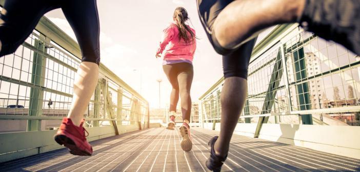 Nur bei Mädchen konnte man eine bessere Lungenfunktion durch Sport bei Mädchen im Kindes- und Jugendalter beobachten. © oneinchpunch / shutterstock.com