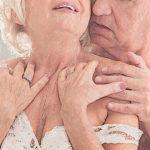 Die Enttabuisierung der Sexualität im Alter schreitet voran, denn Babyboomer und Silver Ager wollen bis ins hohe Alter Spass am Sex haben. © Photographee.eu / shutterstock.com