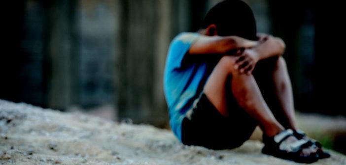 Flüchtlinge, ihre Kinder und psychische Störungen im Blicklicht. © ZouZou / shutterstock.com