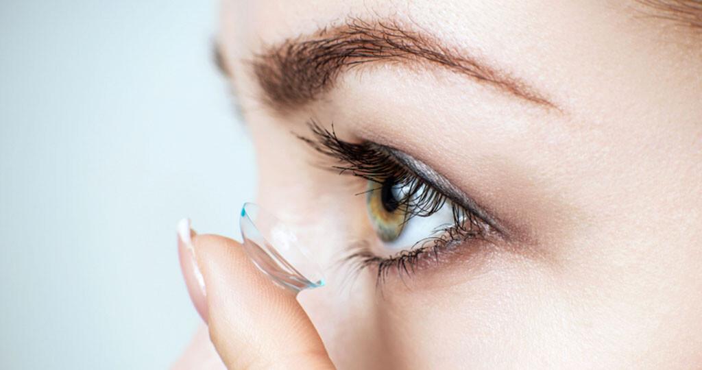 Kontaktlinsen © Kotin / shutterstock.com