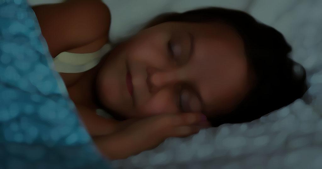 Viele Kinder mit Neurodermitis leiden an Schlafstörungen. Vor allem die Schlafqualität ist oft beeinträchtigt. © Ruslan Huzau / shutterstock.com