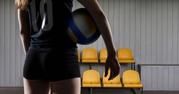 Leichtathletik, Volleyball, Handball sowie Basketball sind Beispiele für Sport und einem hohen Risiko für Inkontinenz. © Roka Pics / shutterstock.com