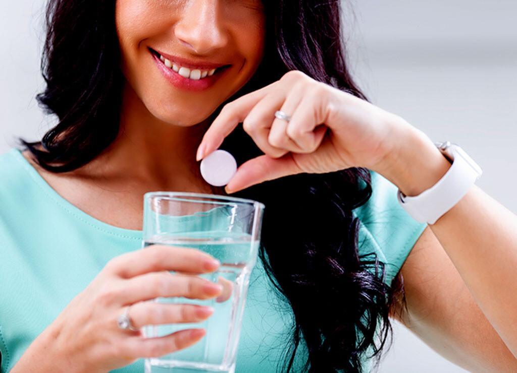 Magnesium und Vitamine können dabei helfen, chronische Schmerzen wirksamer zu behandeln. © Marian Weyo / shutterstock.com