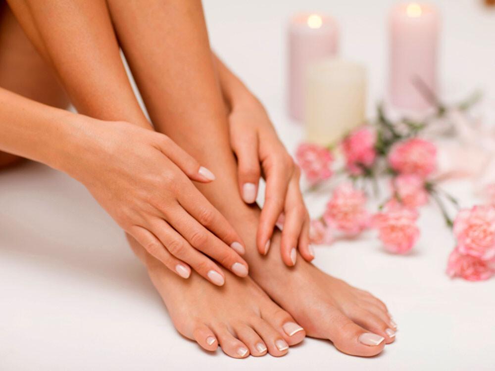 Das Interesse für Onychomykose, Nagelpilz und schöne Nägel der Finger und Zehen ist online in den Sommermonaten am größten. © forma82 / shutterstock.com