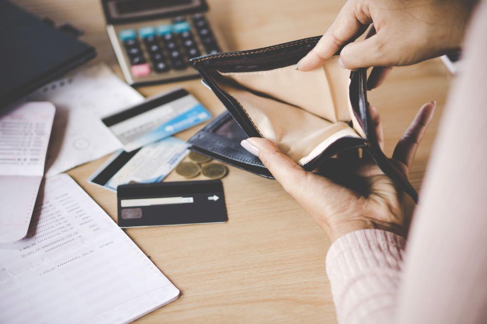 Vor allem Sorge um ihre wirtschaftliche Zukunft treibt viele um. © Doucefleur / shutterstock.com